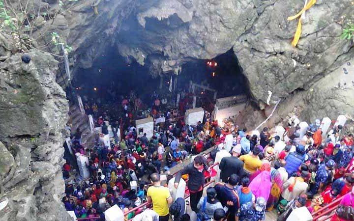Halesi Maratika Cave Tour